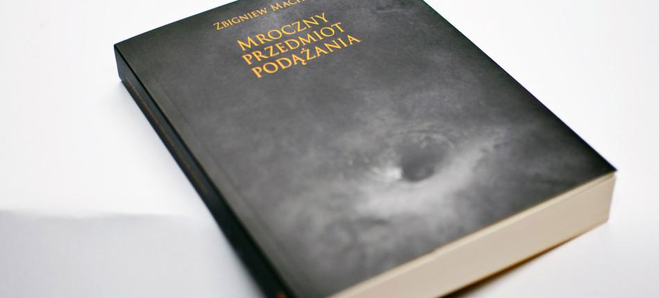 KSIAZKI_Mroczny-przedmiot-podazania