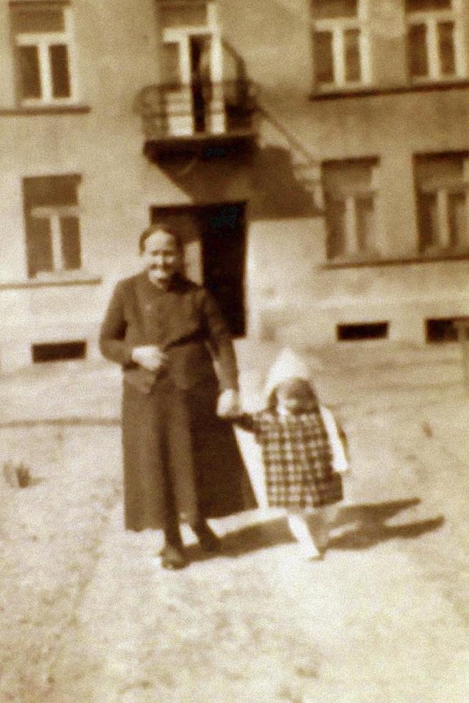 03_Bronka_NOWICKA__Fotografia, Łyżka_matka