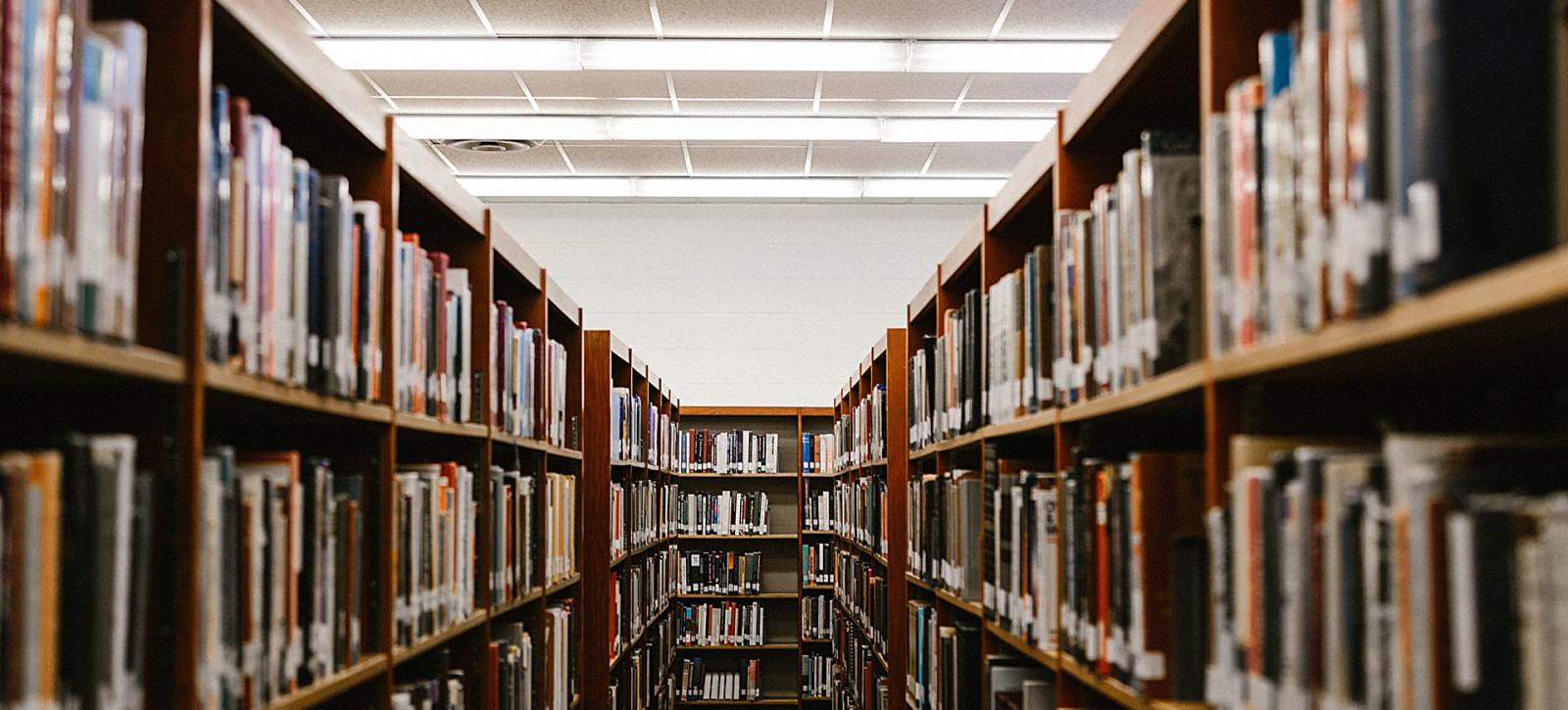 15_DEBATY__Biblioteka z poezja_06